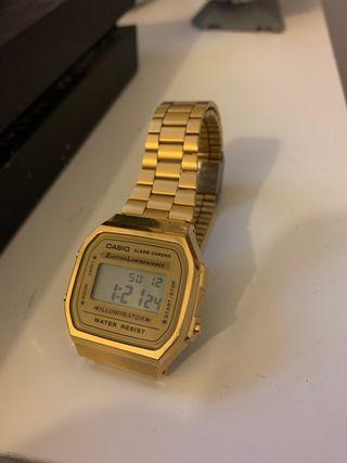 Reloj Casio dorado hombre