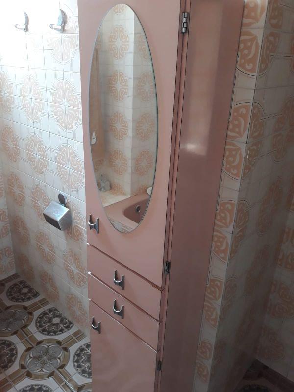 Mueble armario baño.