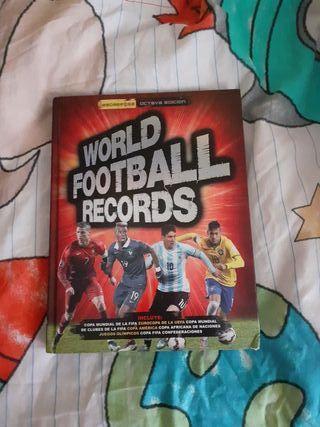 "libro ""World fotballl records"""