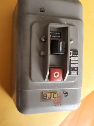 Interruptor conmutador General de luz. 8 x 9 x15