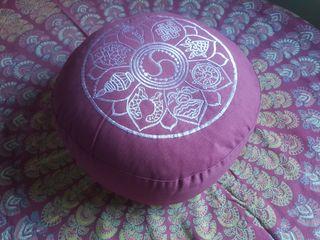 Zafú, cojín de meditación