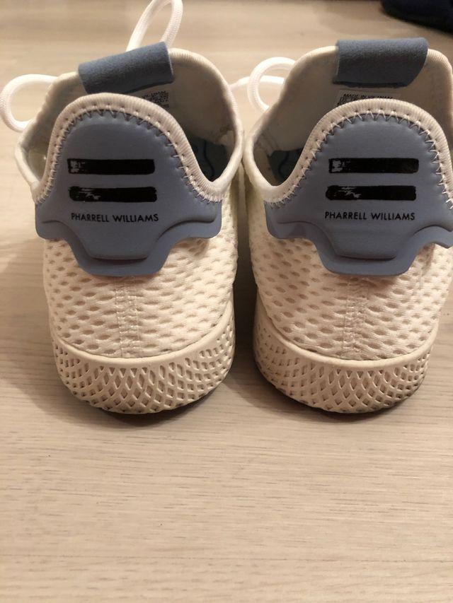 Adidas Pharrell Williams T39 1/3