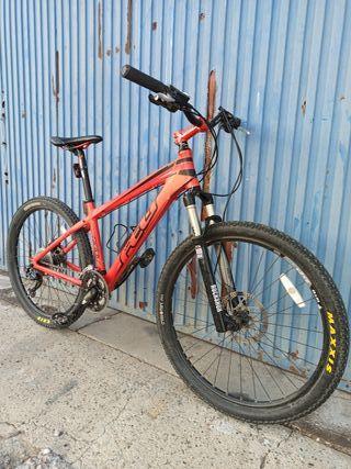 """Felt 720. Bici MTB 26"""" Rocksox Reba 100mm"""