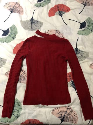 Jersey rojo talla S marca Bershka