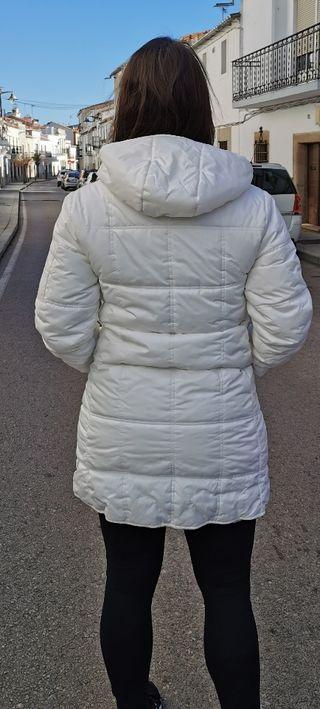 Plumifero Blanco de Zara