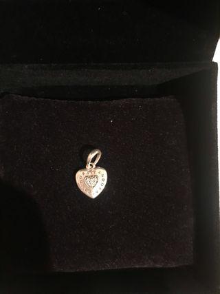 colgante corazón Pandora de plata