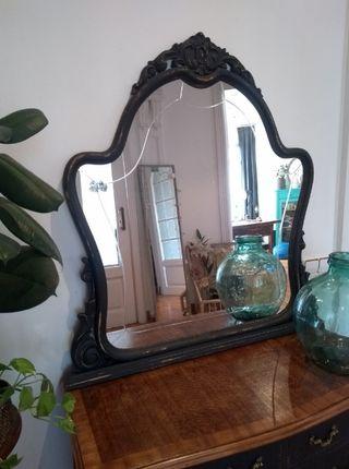 Espejo modernista negro