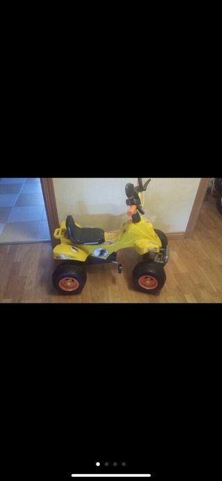 Quad con pedales para niños