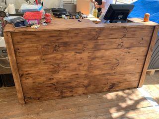 Fabricamos Mostradores para tienda madera palet