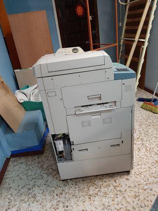 fotocopiadora canon.IR 3300