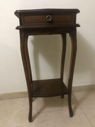 Mesa vintage, mesita , auxiliar madera marròn