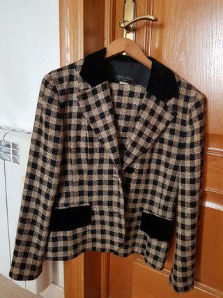 traje de chaqueta con falda