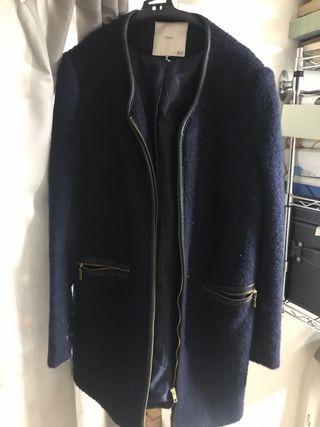 Abrigo azul Sfera.