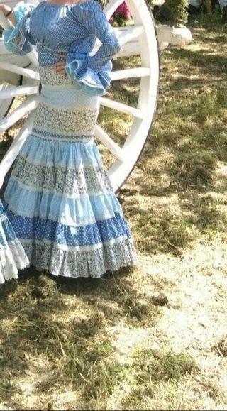 trajes de Flamenca y falda amazona