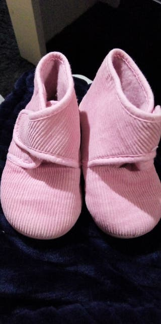 Zapatillas casa NUEVAS 22