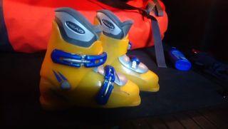Esquís Roxy 120 cm y botas Head (35)