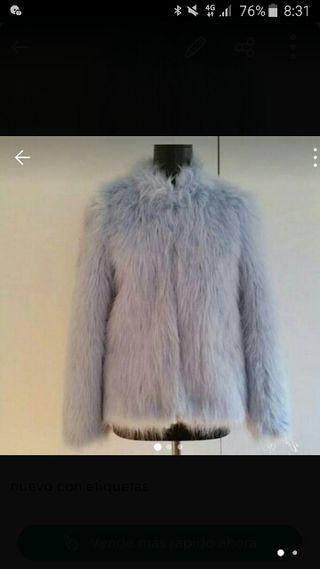 abrigo pelo azul talla m pero da s