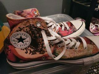 donut style converse uk size 9