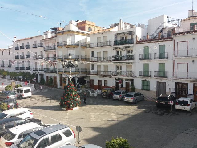 TOLOX SIERRA DE LAS NIEVES (Tolox, Málaga)