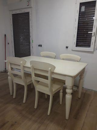 Mesa y mueble rústicas