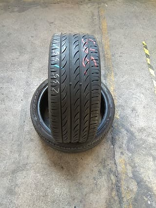 235 35 19 91Y vendo neumáticos seminuevos al 70%