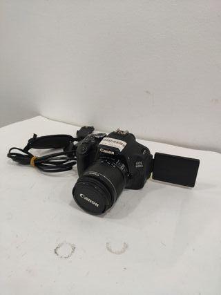 camara digital canon eos 600D mas objetivo 18-55
