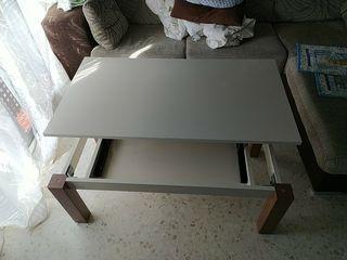mesa elevable color beig