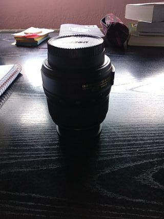 objetivo cámara Nikon DX