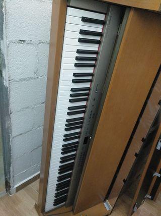 Piano por piezas Yamaha Clavinova