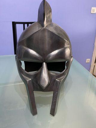 Casco de gladiador en acero