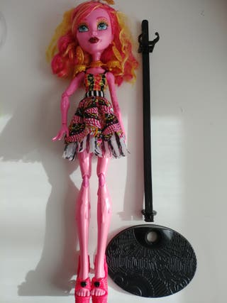 Monster High muñeca y bolso.