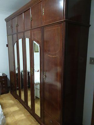 armario ropero madera antiguo