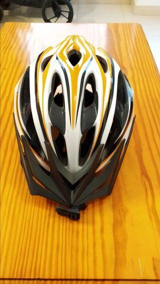 casco patinete o bici
