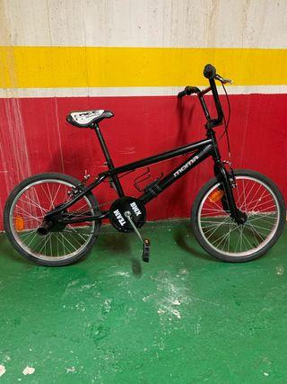 """Bicicleta BMX Freestyle """"Moma"""""""