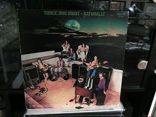 THREE DOG NIGHT - NATURALLY - VINILOS