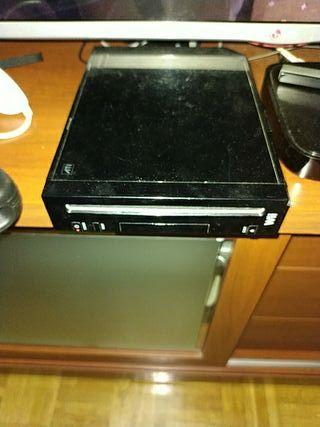 Wii negra +100 juegos+ 2 mandos+ guitarra
