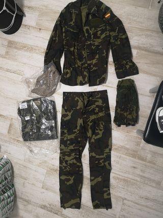 ropa militar original nueva en su embalaje