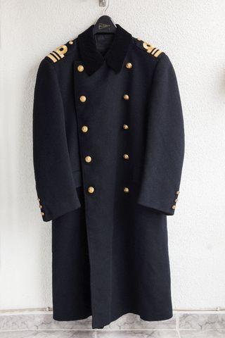 Abrigo militar azul y dorado
