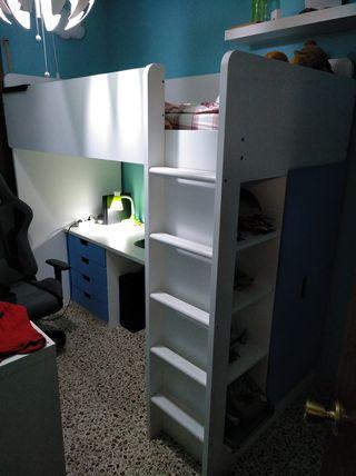 Cama alta con escritorio y armario