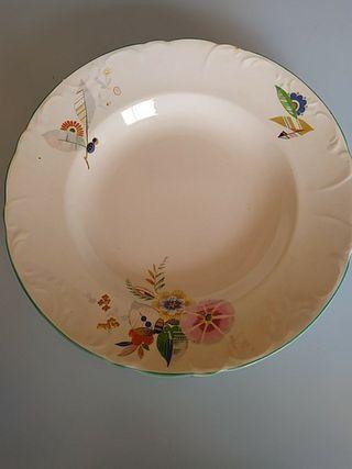 plato de porcelana antiguo