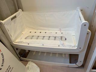 Baby Snuz Pod bedside crib