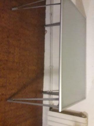 Mesa cristal y aluminio