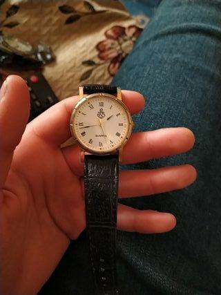 reloj de marca quartz muy antiguo