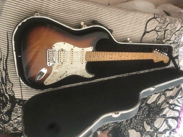 Guitarra Fender stratocaster American Special HSS