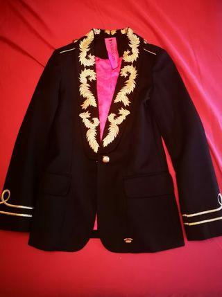 chaqueta y camisa originales La Condesa