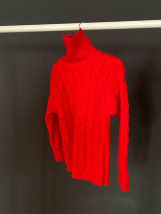 Suéter cuello alto rojo