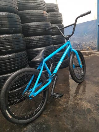 bicicleta bmx diamondback