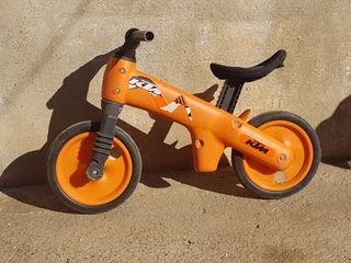 Bicicleta de iniciación marca KTM