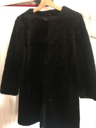 Abrigo de terciopelo negro Sfera
