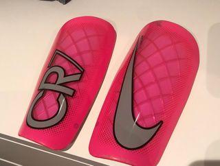Espinilleras Nike CR